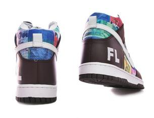 92d3c8e5bd54 Звезды предпочитающие неопрятную обувь